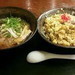 龍鳳 - 料理写真:炒飯ハーフラーメンset(炒飯大盛り)