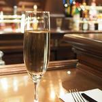 テディ・ルーズヴェルト・ラウンジ - スパークリングワイン(ナバロ・コレアス)(¥1030)