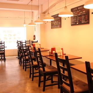 カフェのような素敵な空間でアットホームなパーティ!貸切歓迎♪