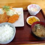 キッチンオトボケ - 料理写真:日替わり定食580円(2015.2月)