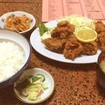 あおい食堂 - 鶏の唐揚定食 800円