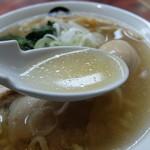 伊藤商店 - 魚介の味わいが強いスープ