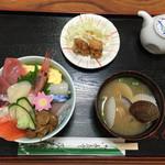茂加食堂  - 海鮮丼も絶品✨✨✨ 10種類の海鮮が入り¥880✨