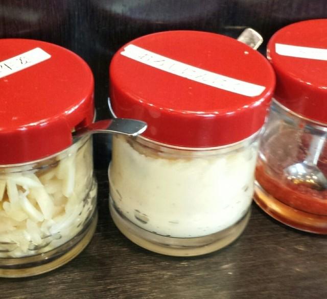 麺匠家 - 薬味(生姜、にんにく、豆板醤)