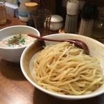 麺匠 ようすけ - 濃厚白湯つけめん(780円、大盛880円)