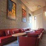 3840556 - オススメの「赤いソファ席」。禁煙。