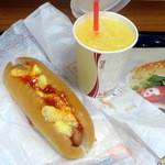 バーガーキング - ホットドッグエッグコンビモーニング290円、オレンジJで