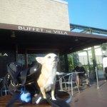 ブッフェ ザ・ヴィラ - 晴れた日のテラスは最高だ!