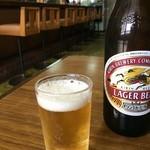 ミカゲヤ食堂 - ドリンク写真:ビール550円と店内風景