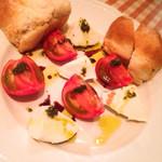 山岸食堂 - トマトとモッツァレラ