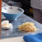 38419420 - 201505 ちぢれ麺とお麩