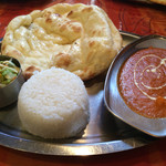 アーナンド - チキンカレーと小ナン、小白飯