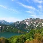 38435364 - 田子倉湖。5月下旬でも残雪があります。
