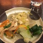 38435376 - 惣菜バー キャベツと豆腐炒め・漬物・竹輪の煮物