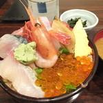 38436991 - 海の幸丼・大盛 ¥950(税込)