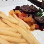 シャンパン食堂の洋食屋さん - バペットステーキ