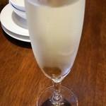 Sante - ハッピーアワーのスパークリングワイン(白) 300円