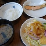 花茶屋 - (2015/4月)鮭、サラダ、おかゆ、味噌汁