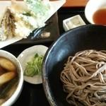 手打ちそば さくら - 鴨せいろに単品で天ぷらを…