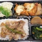 38441853 - 期間限定 チキン南蛮&生姜焼き弁当 590円 【 2015年5月 】