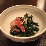 えいじ庵 - お通しは、お野菜と魚のほぐし身の和え物♪(第一回投稿分③)