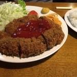 ボリューム亭 - メンチカツ定食