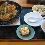 長城 - 豚天丼 840円