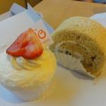 38455846 - 生チーズケーキと栗ロール