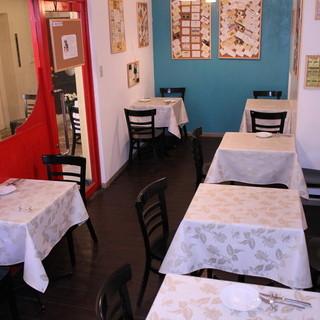 レストランメニューがお子様とペットとご一緒に楽しめるカフェ