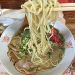大阪屋 - 麺リフト*\(^o^)/*豚骨臭がいい感じですよ!d(^_^o)