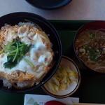 38465285 - 比内地鶏親子丼と稲庭うどんのセット