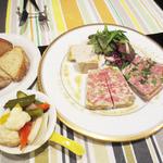 ビストロ ラパンドール - 前菜3種盛り合わせ(テリーヌ、パテ、リエット)
