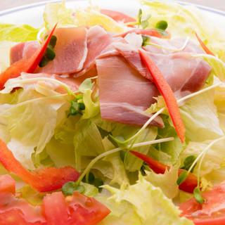 北部の恵みをメインに沖縄食材をたっぷり用いて