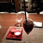 38466645 - アイスコーヒー。シロップとミルクのトレイがオシャレです。