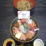 魚啓 - 魚啓(静岡県御殿場市印野)おまかせ丼(酢飯)1080円.
