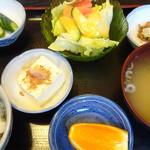 居酒屋タオ - ごはんと味噌汁