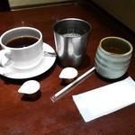 鳥どり - ホットコーヒー・アイスコーヒー・麦茶