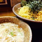 岩本屋 - つけ麺 麺⇨ちょいかた、味⇨普通 背脂⇨多目、ネギ多目
