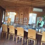 Dinig & Cafe LaLa - カウンター席では静かにお話が盛り上がってました(^^)v