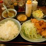 辰巳家 - 鶏の唐揚げ定食(2015年5月)