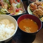弥の吉 - ご飯と味噌汁で注文ができます。
