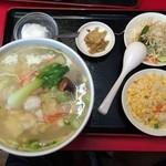 四川厨房 - 以前のメニュー海鮮タンメンセット850円