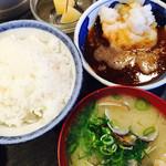 天ぷら 大吉 なんば店 - ランチセットの 中飯、デザート、アサリ汁
