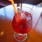 葡萄酒キッチンバルCasares - クランベリージュース