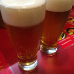 包屯 - ビールで乾杯!