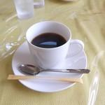 ドッグテイル - 食後のサービスコーヒー