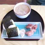 ドッグテイル - おにぎり豚汁定食¥880