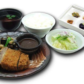 味の蔵 - 料理写真:レストラン「味の蔵」メニュー飛騨牛メンチカツ膳 1,380円