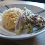 蕎麦 坐忘 - 天セイロの天ぷら、エビが沢山入ったかき揚げ、ししとう、みょうが、しいたけ