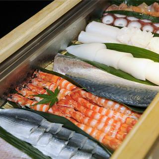 新鮮な魚介は、毎朝仕入れます!